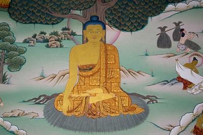 Shakyamuni;  Siddharta ayant abandonné les pratiques ascétiques pour suivre la voie du milieu, atteint l'éveil (illumination).
